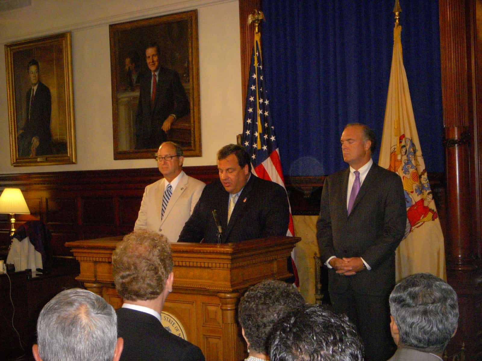 New Jersey Governor Christie signs solar legislation into law.